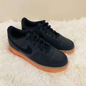 Nike Air Force 1 LV Sneakers